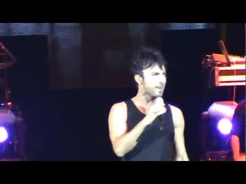 Tarkan - Şıkıdım [Hepsi Senin Mi] _ Live İn Moscow 2009 [Şarkı Sözü - Lyrics]