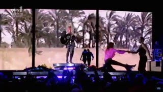 Madonna - Miles Away (Sticky & Sweet Tour in Buenos Aires)