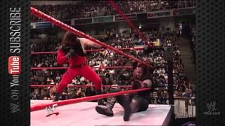 Kane burns The Undertaker