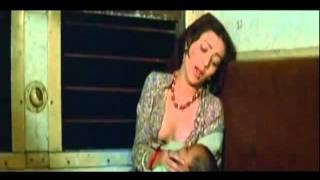 Hot  sceen from Ram Teri Ganga maili.Mandakini boob show.