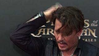 """Johnny Depp verrät bei """"Fluch der Karibik 5""""-Premiere Geheimnis"""