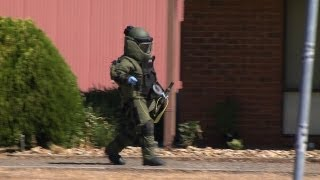Police Bomb Squad detonate device near Bendigo 6/2/2013