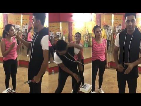 Xxx Mp4 Mimi Chakraborty Dev Unseen Funny Video At Rehearsal মিমি ও দেব কি করেন রিহার্সালে দেখুন 3gp Sex
