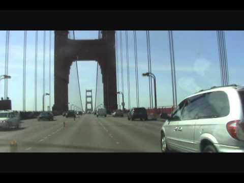 MANEJANDO SOBRE EL GOLDEN GATE EN SAN FRANCISCO CALIFORNIA