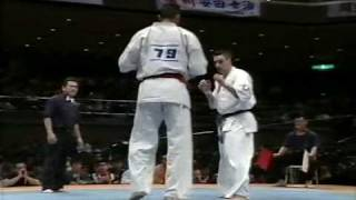 Kyokushin -  Feitoza vs Petas