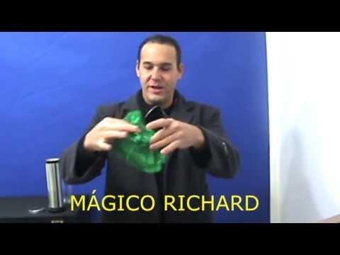 Mágicas e truques fáceis desaparecimento do lenço