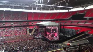 5 Seconds Of Summer - Beside You - Wembley Stadium 6/6/14