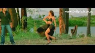 Nisha Kothari HOT BOOBS and NAVEL show SEXY song