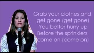 Glee - Take A Bow (lyrics)