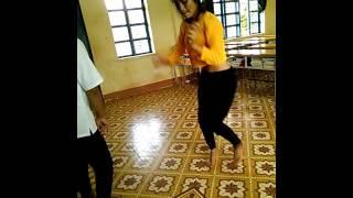 gái êđê nhảy nhạc sàn