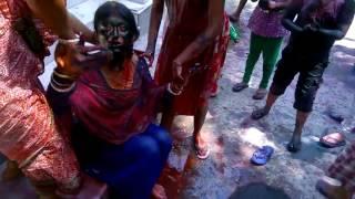बंगाली भाभी की हुई जबरदस्त पुताई होली में