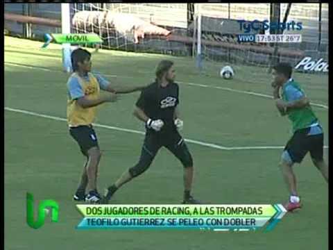 Teofilo Gutierrez y Dobler se pelearon en la practica. 30 03 2011