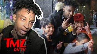 Rapper 21 Savage Swarmed By Fans...Very Young Fans | TMZ TV