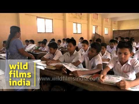 Kerala school students learn Hindi from lady teacher