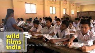 Kerala school students learn Hindi from lady teacher