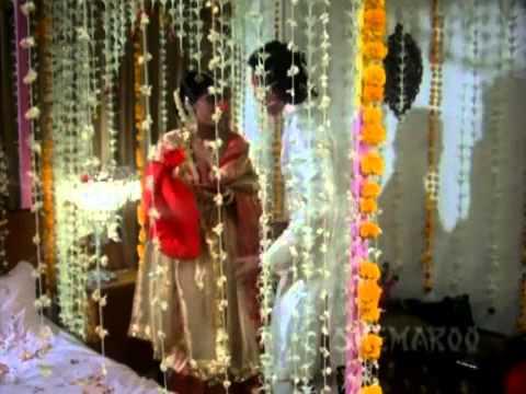 Kasam Paida Karne Wale Ki - Romantic Scene Collection - Mithun Chakraborty - Smita Patil