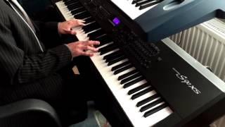 David Guetta & Showtek- Sun goes down piano cover