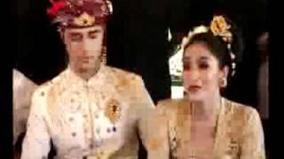 Happy Salma Menikah dengan Tjokorda Bagus