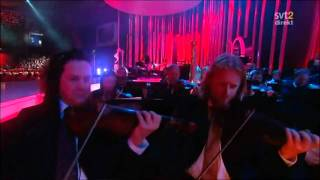 With every heartbeat - Robyn & the Norwegian Radio Orchestra - Pop music with orchestra