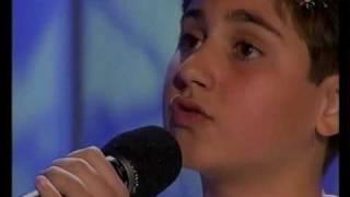 Tony Mateo (11 años) - Vivo por ella - Menuda Noche