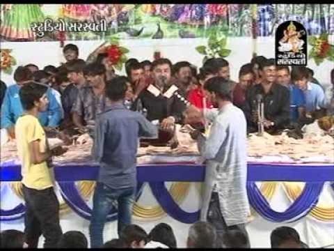 Mogal Aavo Ne Mori Maa | Kirtidan Gadhvi Live Part 2 | Bhaguda Dayaro 2013 | Gujarati Bhajans