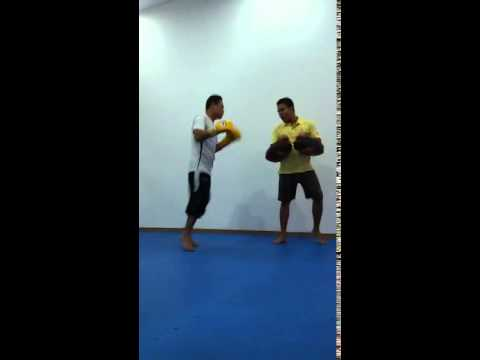 Training Thaiboxing By Kru.porn in thailand