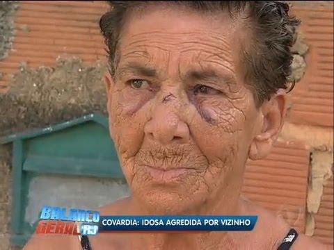 Briga entre cachorros faz vizinho agredir idosa na baixada RJ