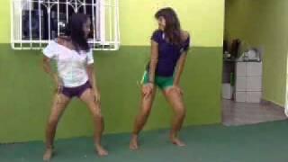 Ela quer Dançar, quer dançar (8) - Mariana Souza e Tathyane Gomes ;**