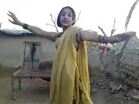 Beauty full girl dise dance in home