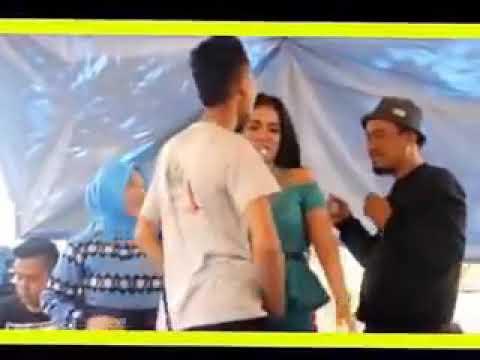 Xxx Mp4 Video Viral Penyanyi Dangdut Di Pegang Anunya Tanpa Sensor 3gp Sex