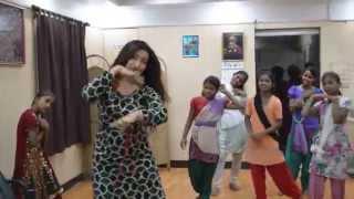 Actor Rituparna Sengupta joins CINI children for an impromptu dance performance