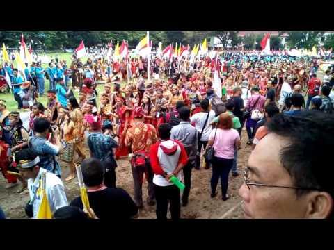 Pawai pembukaan IYD 2016 di Kota Manado dan dihadiri Duta Vatikan untuk indonesia,