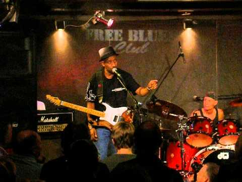 VOODOO CHILE and TM STEVENS - in Free Blues  Club