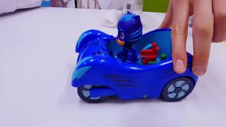 Çizgi film #PJMask oyuncakları. #Kertenkele çocuğun arabası çamurda kalıyor 🚗. Doktor oyunları