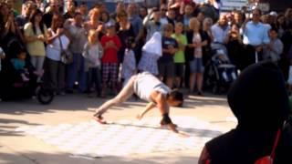 Street Dance near London Eye