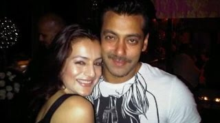 What Is Ameesha Patel Doing With Salman Khan?