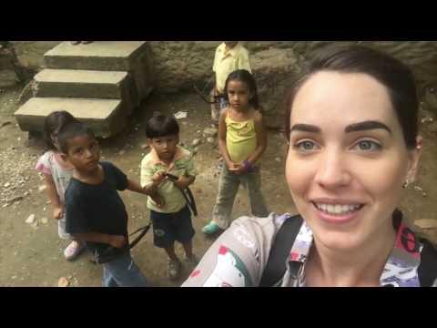 Una familia pobre en el campo de Venezuela