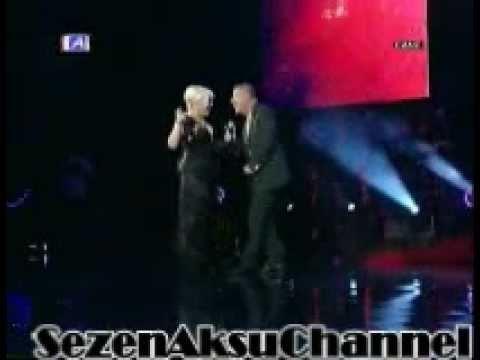 SEZEN AKSU Sertab Erener & Levent Yüksel & Aşkın Nur Yengi Kral Tv Müzik Ödülleri 2011