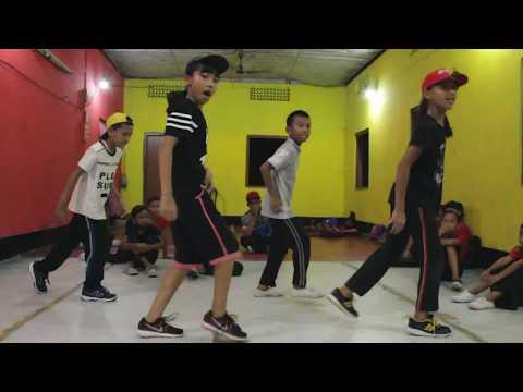 Xxx Mp4 Nawabzade High Rate Gabru Varun Dhawan Shraddha Kapoor Dance Cover Mithun Mazumder 3gp Sex