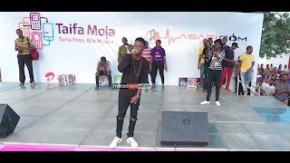 Young Killer alipopanda kwenye stage ya Wasafi.com Mabagala