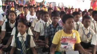 trichy 26 1 15 yoga guruji krishnakumar and mam school students world record