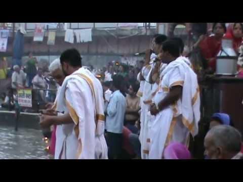 Live Aarti of Maa Ganga at Har Ki Pauri (Haridwar) (Hindi) (1080p HD)