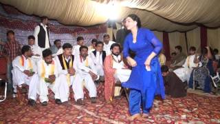 CHITTA CHOLA BeautiFull Gril Dancing on SHADI MUJRA SAITH AAMIR SHAHZAD CHAK 66 N.B SARGODHA