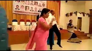 ഇത് കണ്ട് ചിരിച്ചില്ലകിൽ പിന്നെ എപ്പോ ചിരിക്കും | Funny Dance Video 2017 | Malayalam