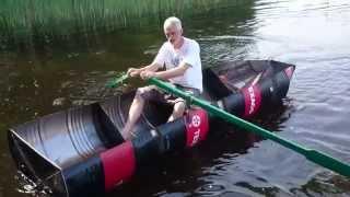 DIY boat made of four oil barrels