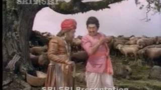 Dr. Rajkumar and Balanna comedy from Kaviratna Kalidasa - part 1 (kannada)
