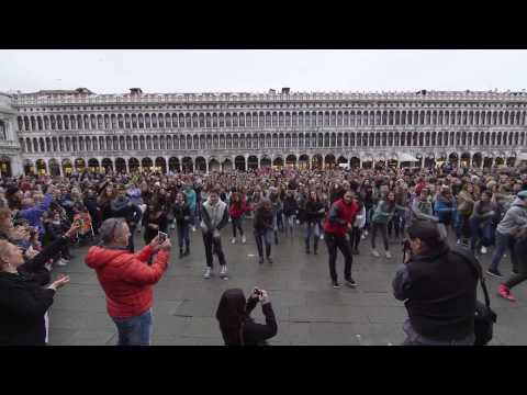 Xxx Mp4 Flash Mob Piazza San Marco Venezia 3gp Sex