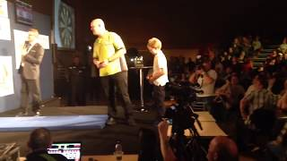 CRAZY 9 YEAR OLD BEATS WORLD NUMBER 1 MICHAEL VAN GERWEN (AMAZING)