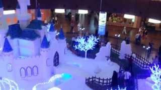 أبيض عيد الميلاد في دبي مول  ديسمبر 2013