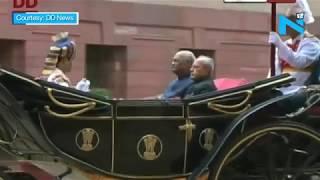 President Kovind, Pranab Mukherjee take 'baggi' ride